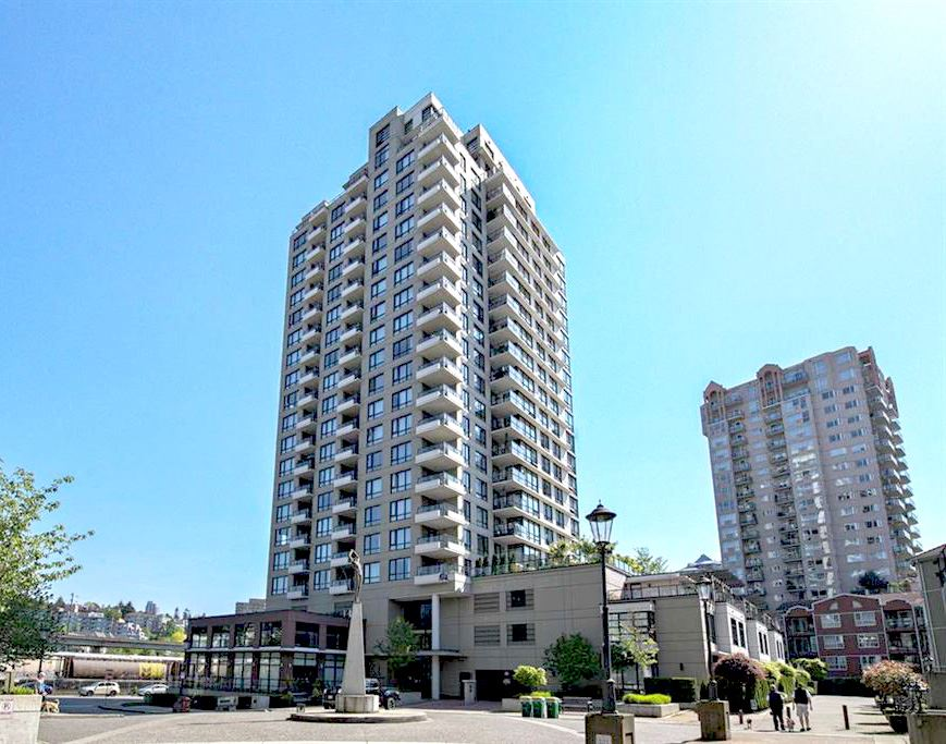 Condo Apartment at 707 1 RENAISSANCE SQUARE, Unit 707, New Westminster, British Columbia. Image 1