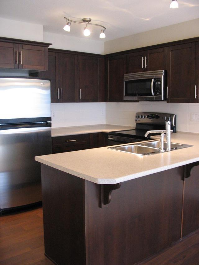 Condo Apartment at 204 46289 YALE ROAD, Unit 204, Chilliwack, British Columbia. Image 2