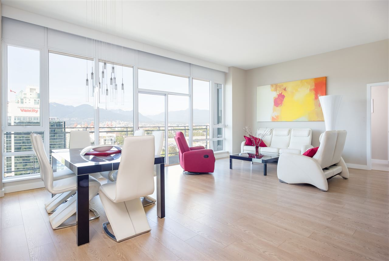 Condo Apartment at PH2205 1618 QUEBEC STREET, Unit PH2205, Vancouver East, British Columbia. Image 3