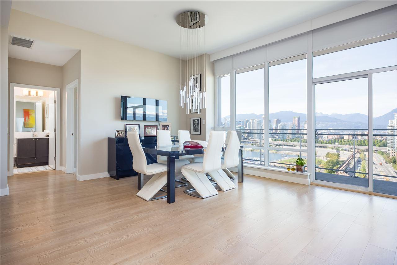 Condo Apartment at PH2205 1618 QUEBEC STREET, Unit PH2205, Vancouver East, British Columbia. Image 5