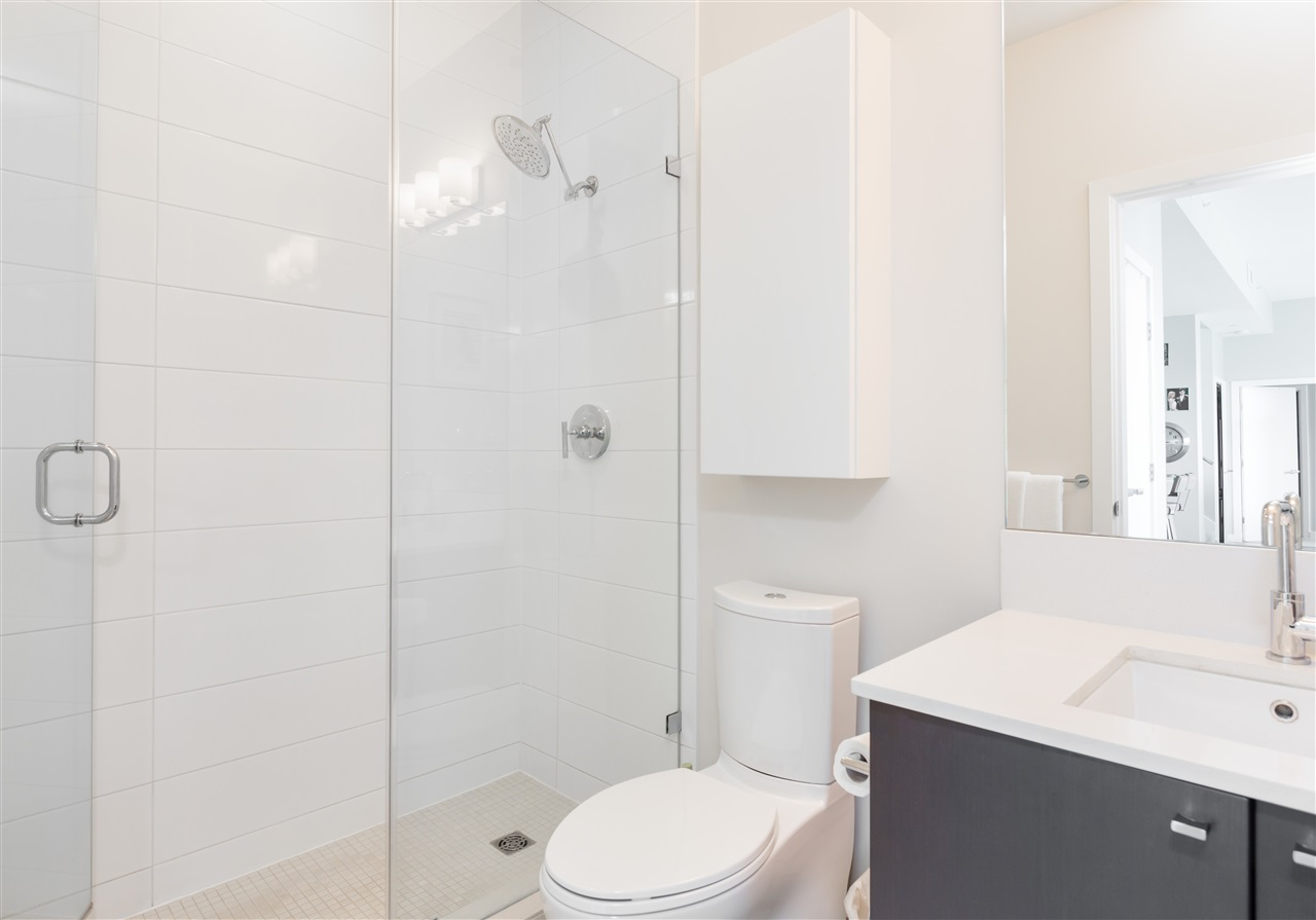 Condo Apartment at PH2205 1618 QUEBEC STREET, Unit PH2205, Vancouver East, British Columbia. Image 13