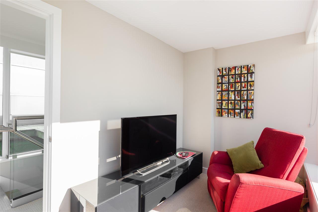 Condo Apartment at PH2205 1618 QUEBEC STREET, Unit PH2205, Vancouver East, British Columbia. Image 14