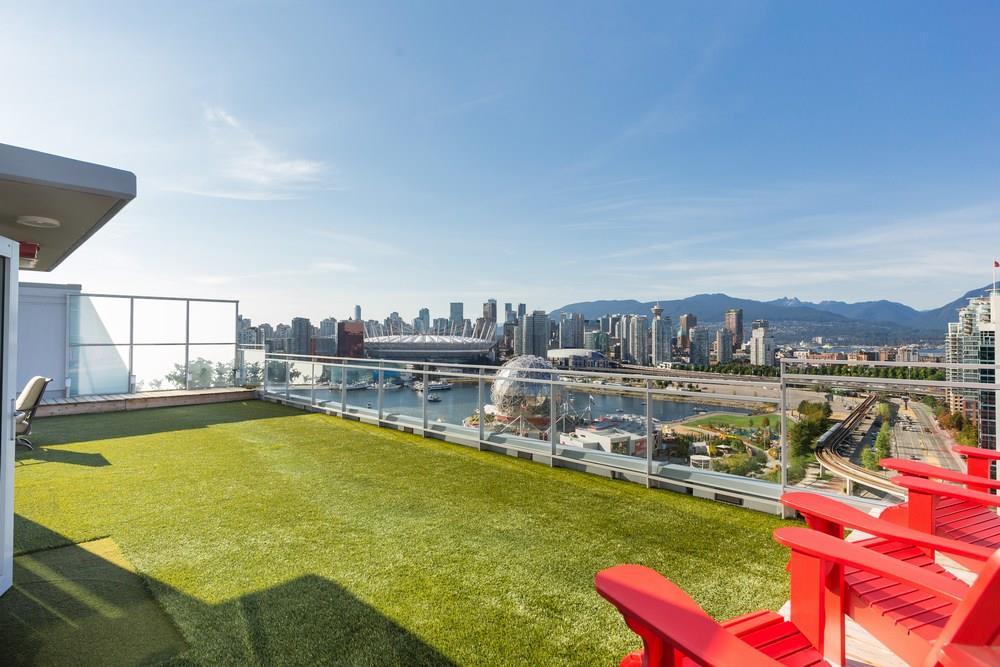 Condo Apartment at PH2205 1618 QUEBEC STREET, Unit PH2205, Vancouver East, British Columbia. Image 16