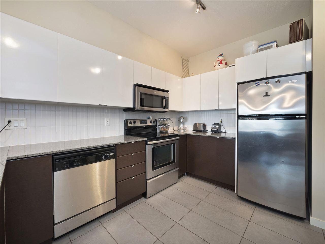 Condo Apartment at 332 13733 107A AVENUE, Unit 332, North Surrey, British Columbia. Image 3