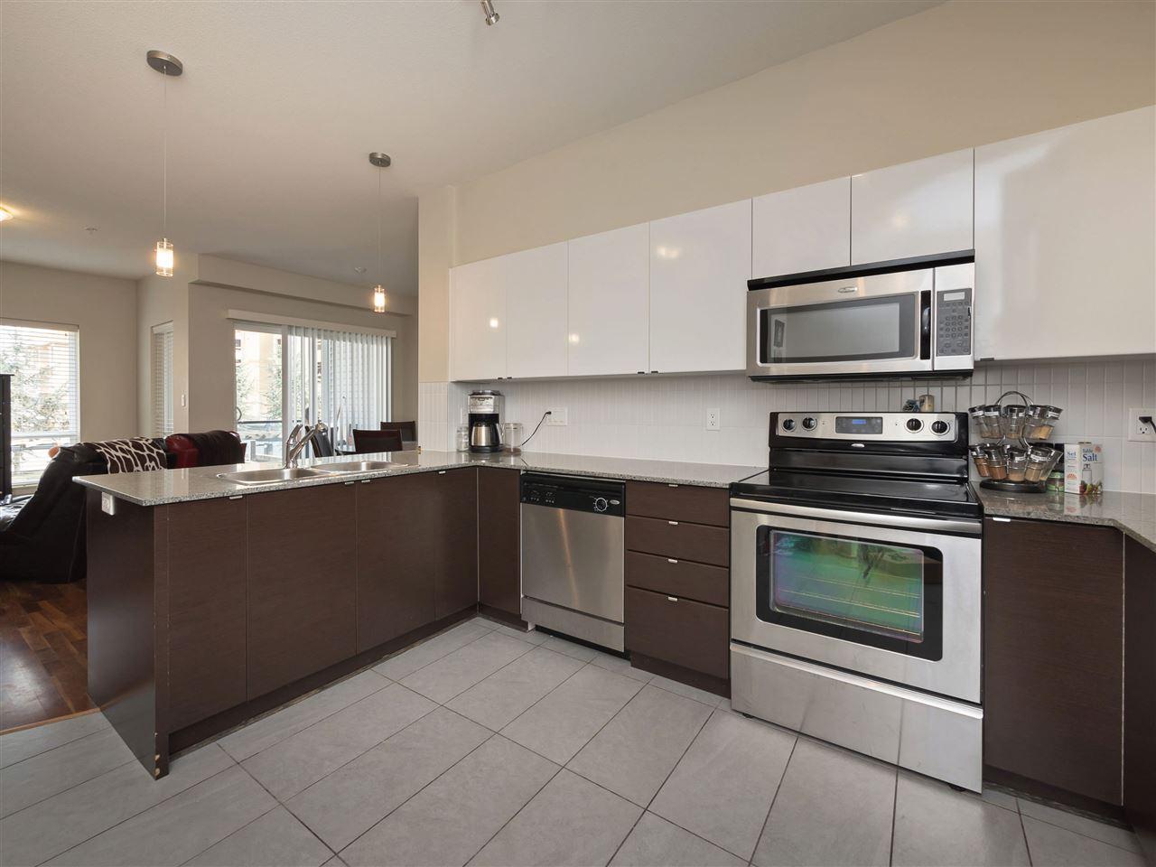 Condo Apartment at 332 13733 107A AVENUE, Unit 332, North Surrey, British Columbia. Image 4