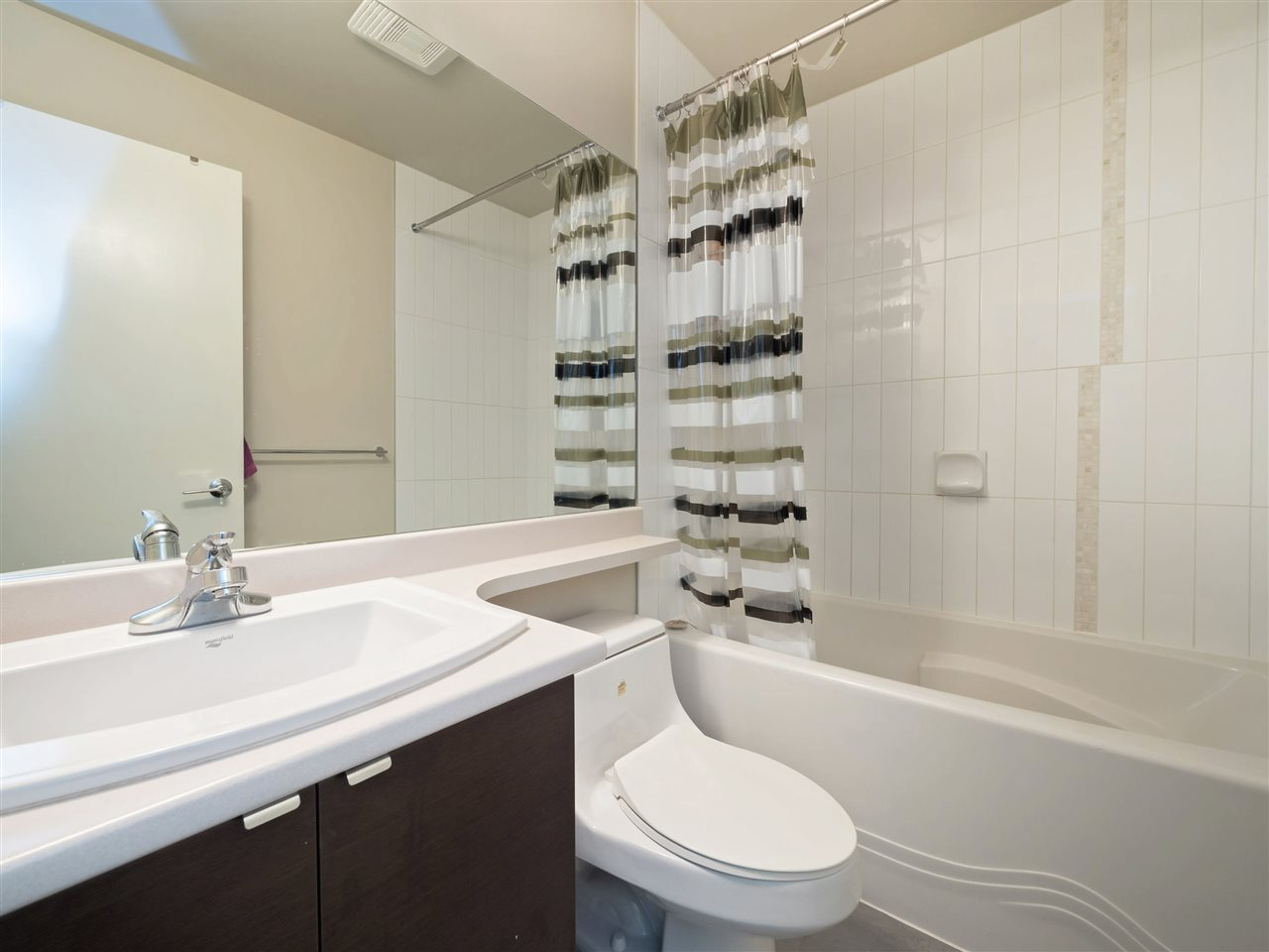 Condo Apartment at 332 13733 107A AVENUE, Unit 332, North Surrey, British Columbia. Image 10