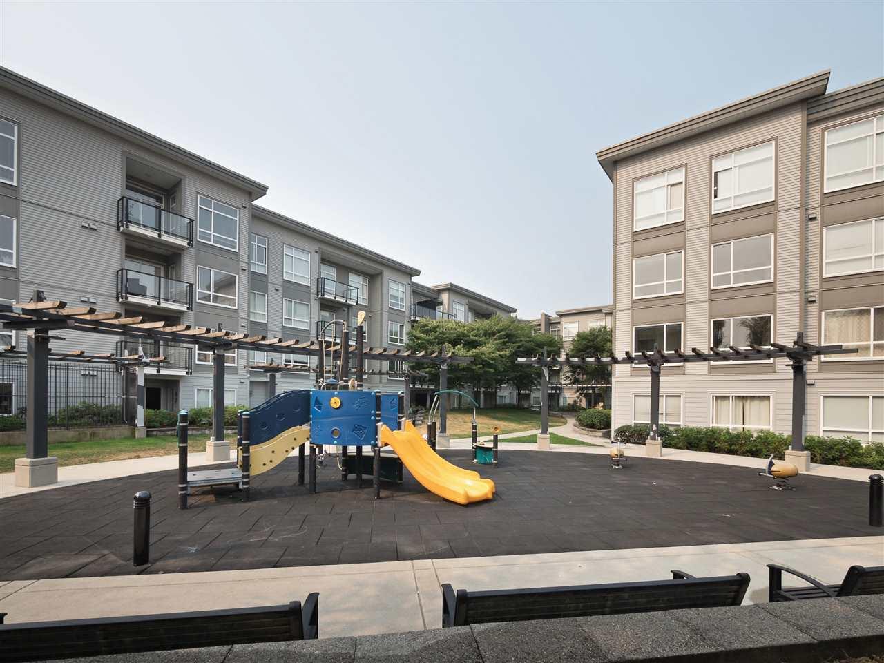 Condo Apartment at 332 13733 107A AVENUE, Unit 332, North Surrey, British Columbia. Image 16
