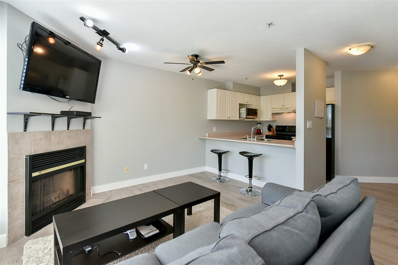 Condo Apartment at 206 7505 138 STREET, Unit 206, Surrey, British Columbia. Image 6