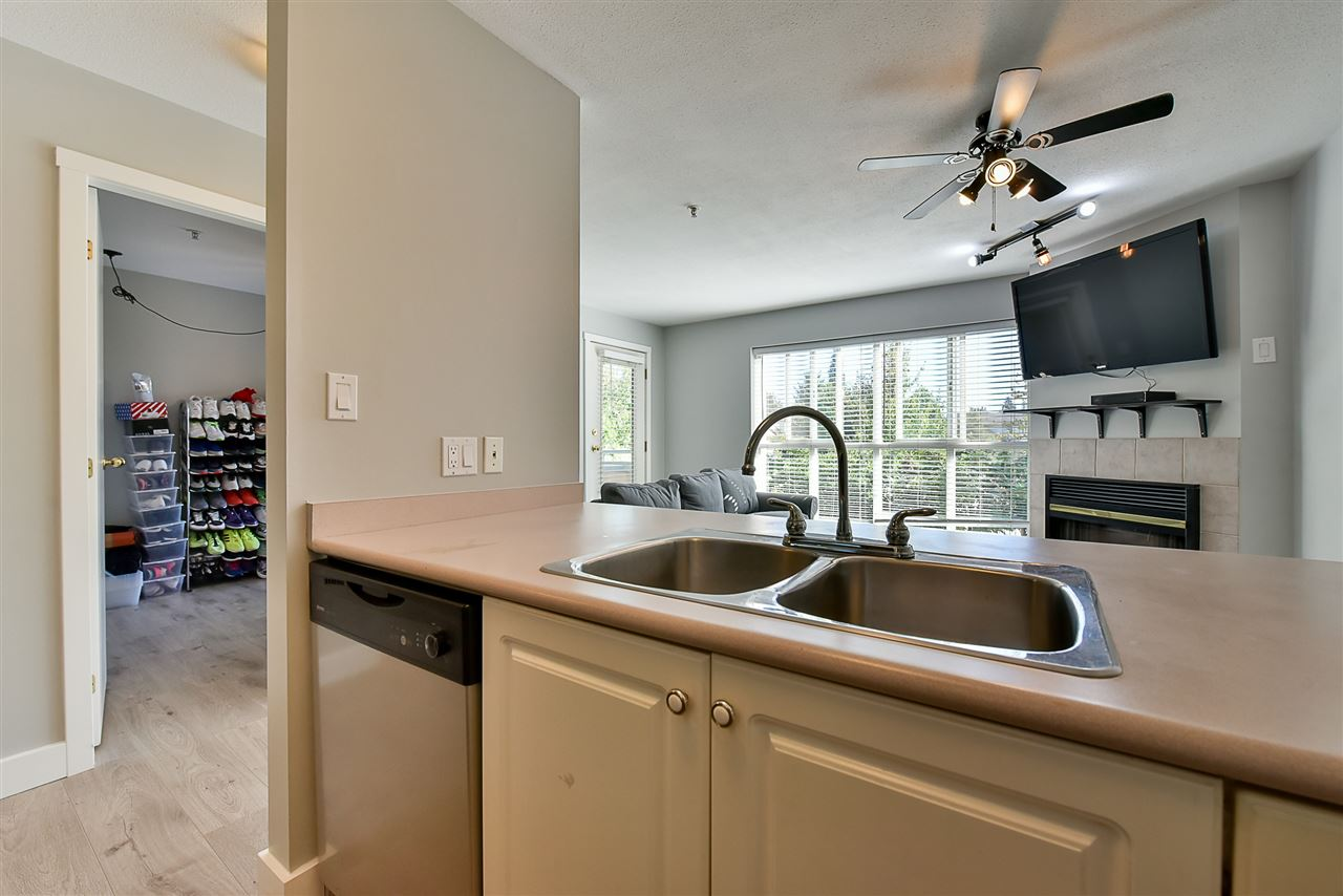 Condo Apartment at 206 7505 138 STREET, Unit 206, Surrey, British Columbia. Image 10