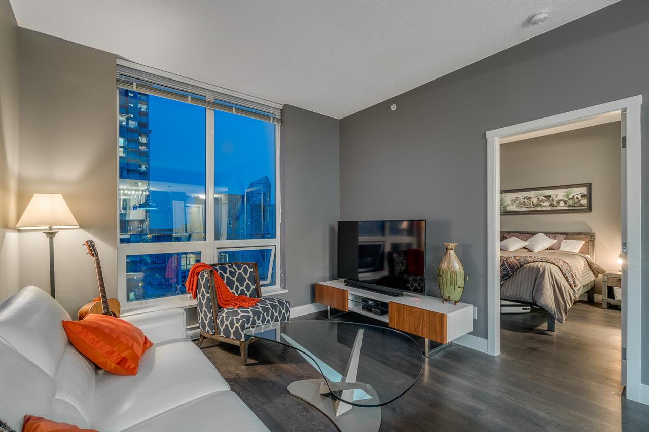 Condo Apartment at 2902 3007 GLEN DRIVE, Unit 2902, Coquitlam, British Columbia. Image 5