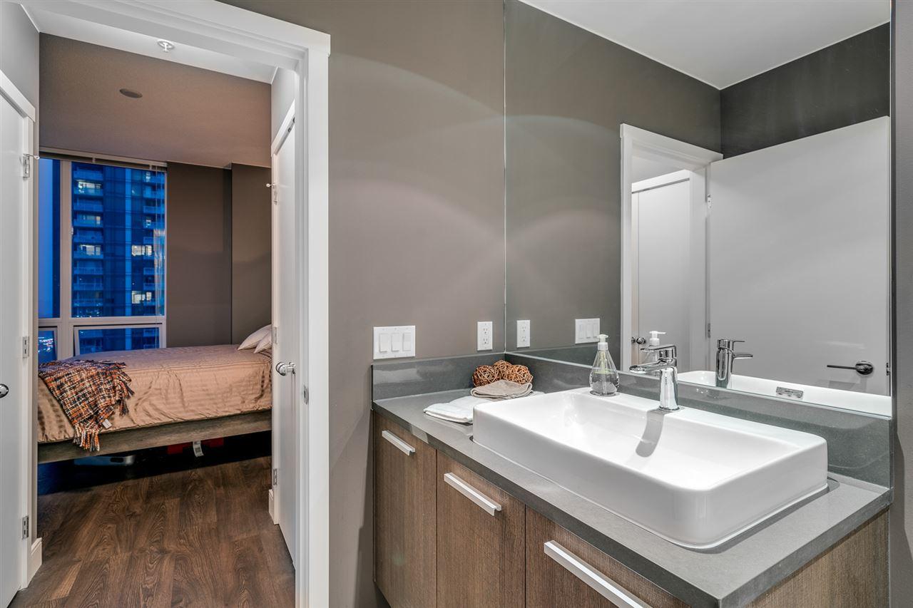 Condo Apartment at 2902 3007 GLEN DRIVE, Unit 2902, Coquitlam, British Columbia. Image 12