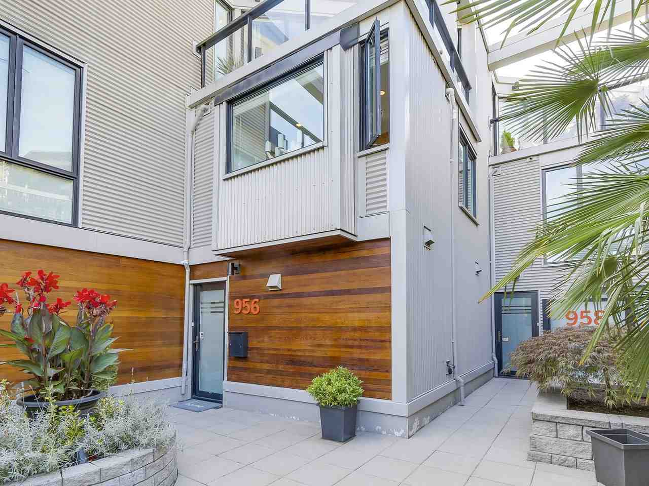 Townhouse at 956 W 7TH AVENUE, Vancouver West, British Columbia. Image 2