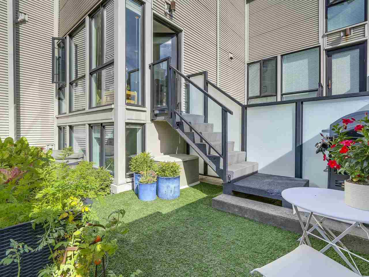 Townhouse at 956 W 7TH AVENUE, Vancouver West, British Columbia. Image 12