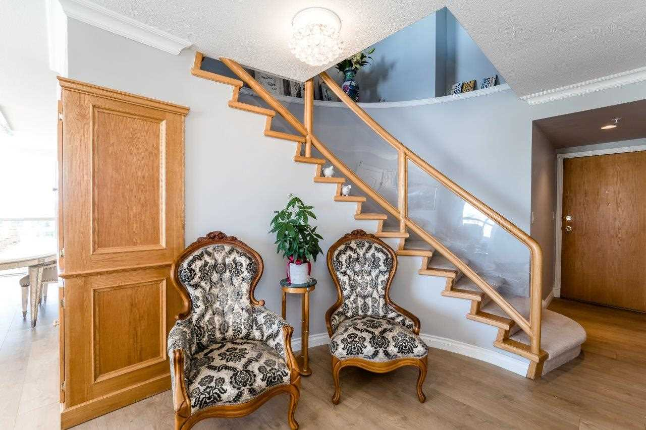 Condo Apartment at 1306 7995 WESTMINSTER HIGHWAY, Unit 1306, Richmond, British Columbia. Image 2