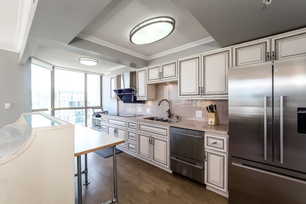 Condo Apartment at 1306 7995 WESTMINSTER HIGHWAY, Unit 1306, Richmond, British Columbia. Image 4