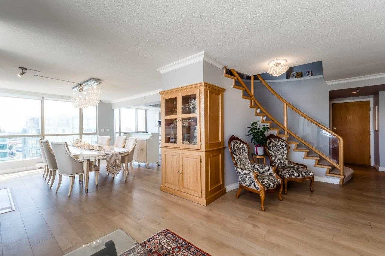 Condo Apartment at 1306 7995 WESTMINSTER HIGHWAY, Unit 1306, Richmond, British Columbia. Image 6