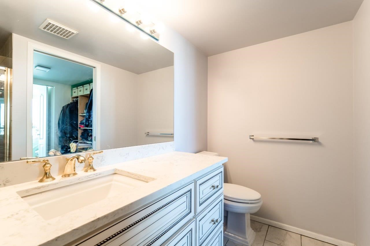 Condo Apartment at 1306 7995 WESTMINSTER HIGHWAY, Unit 1306, Richmond, British Columbia. Image 11
