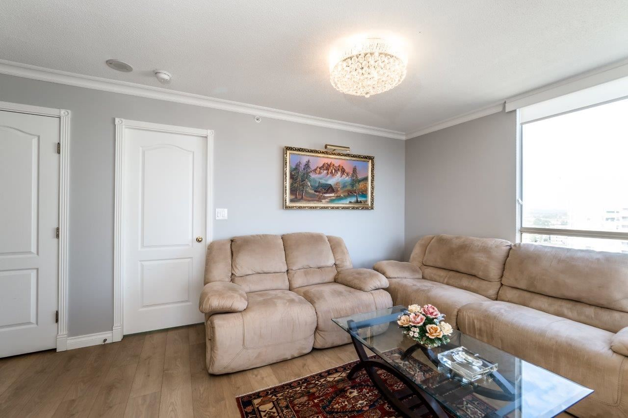 Condo Apartment at 1306 7995 WESTMINSTER HIGHWAY, Unit 1306, Richmond, British Columbia. Image 13