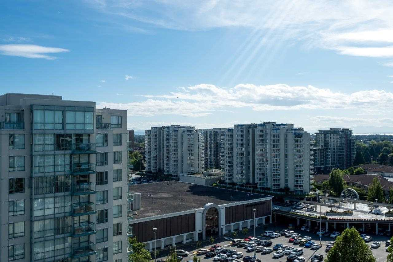 Condo Apartment at 1306 7995 WESTMINSTER HIGHWAY, Unit 1306, Richmond, British Columbia. Image 18