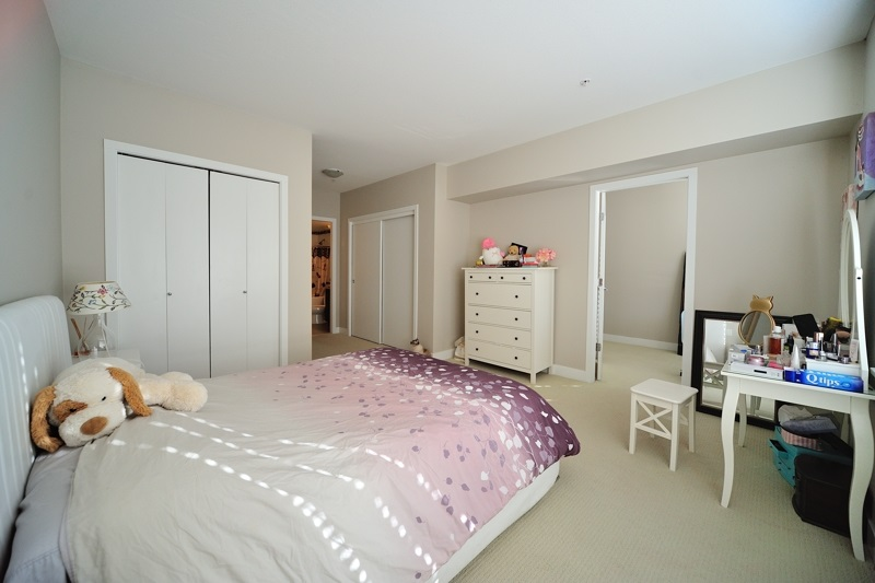Condo Apartment at 304 14300 RIVERPORT WAY, Unit 304, Richmond, British Columbia. Image 10
