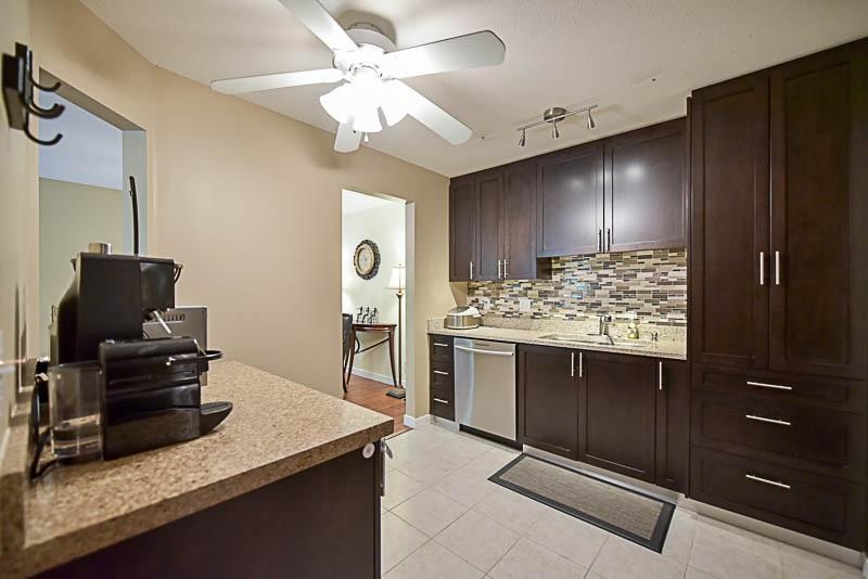 Condo Apartment at 308 1215 PACIFIC STREET, Unit 308, Coquitlam, British Columbia. Image 11