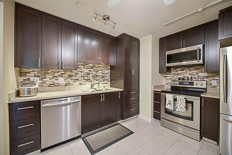 Condo Apartment at 308 1215 PACIFIC STREET, Unit 308, Coquitlam, British Columbia. Image 12