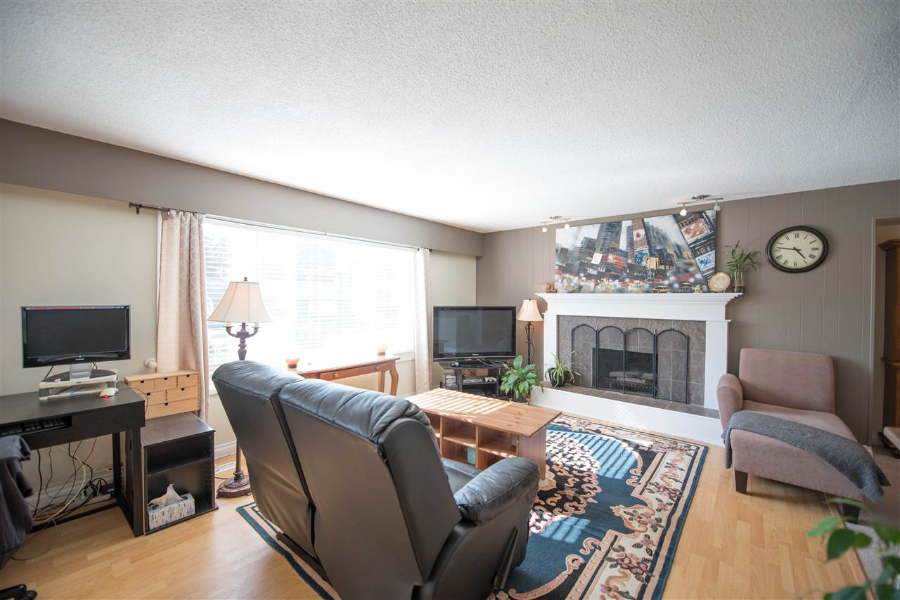 Detached at 7390 S MINSTER DRIVE, N. Delta, British Columbia. Image 2