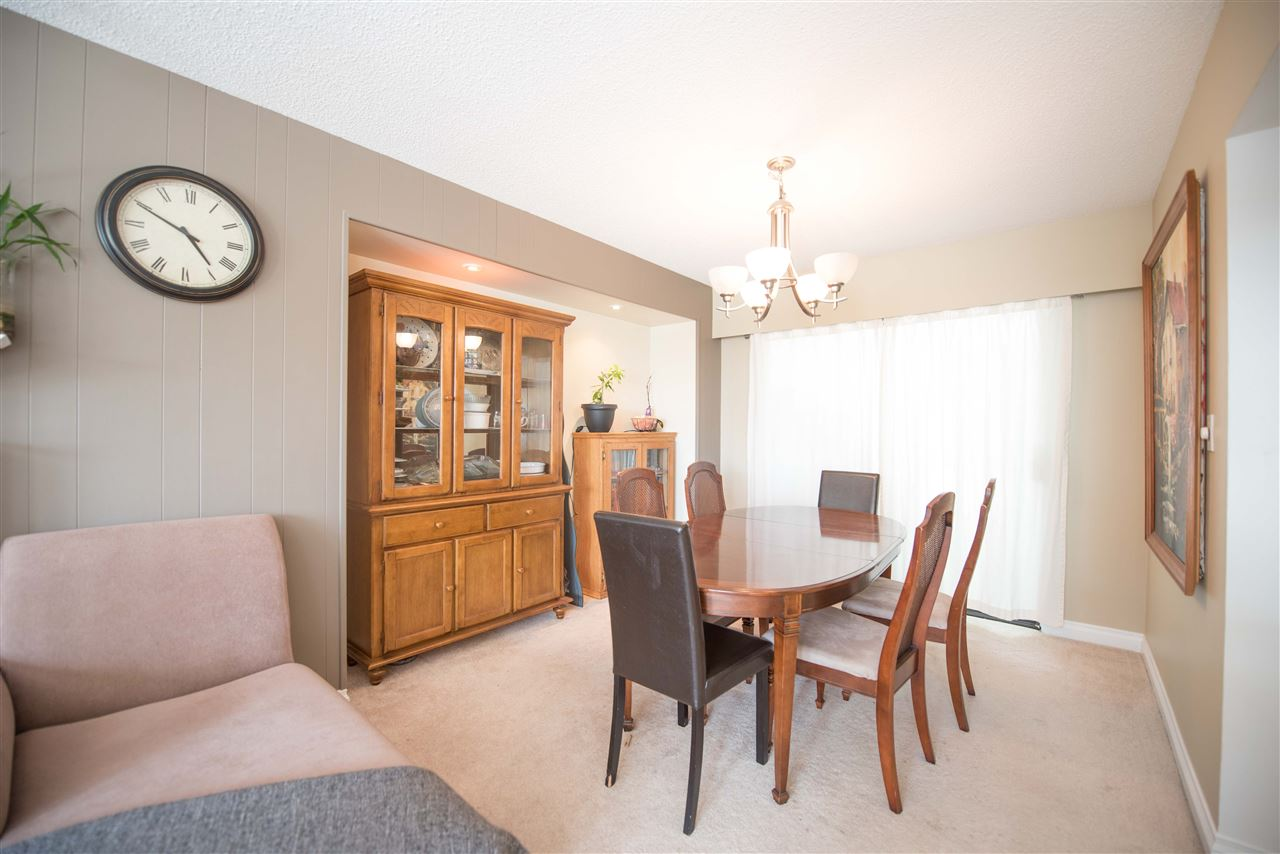 Detached at 7390 S MINSTER DRIVE, N. Delta, British Columbia. Image 3