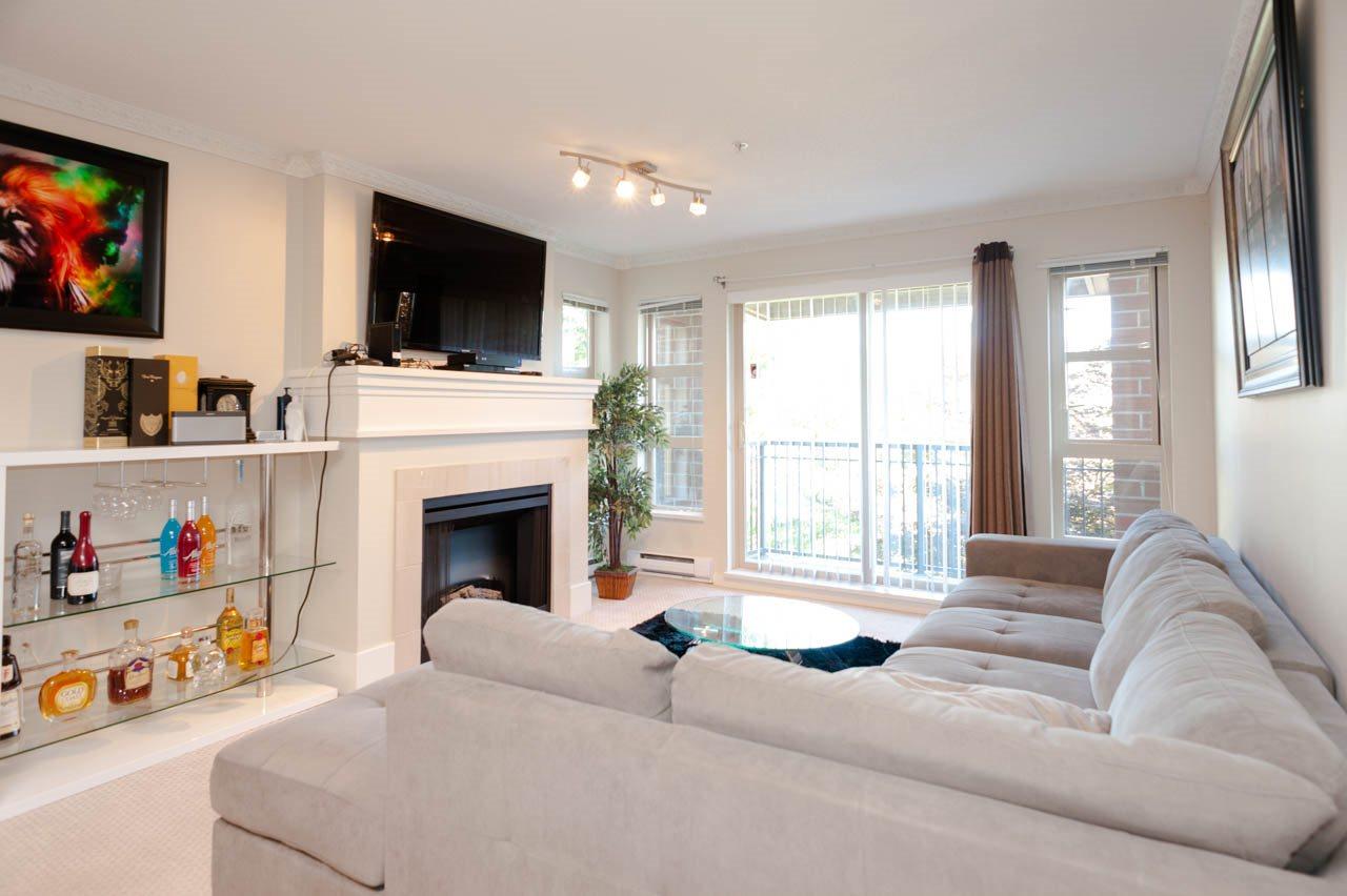 Condo Apartment at 1212 5115 GARDEN CITY ROAD, Unit 1212, Richmond, British Columbia. Image 2
