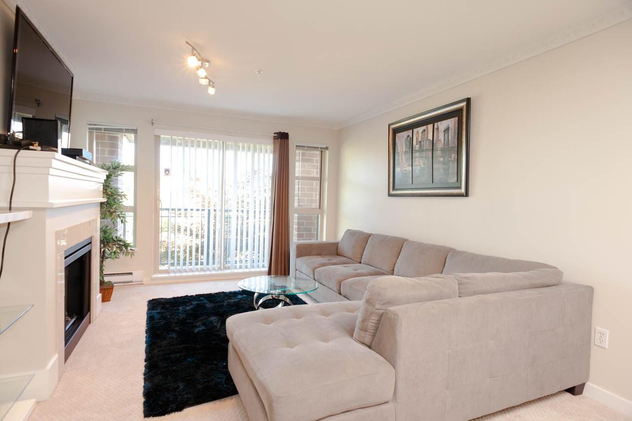 Condo Apartment at 1212 5115 GARDEN CITY ROAD, Unit 1212, Richmond, British Columbia. Image 3