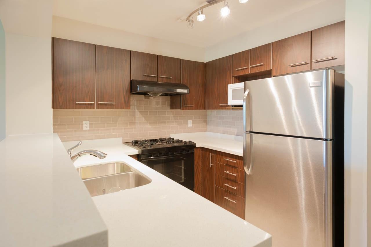 Condo Apartment at 1212 5115 GARDEN CITY ROAD, Unit 1212, Richmond, British Columbia. Image 6