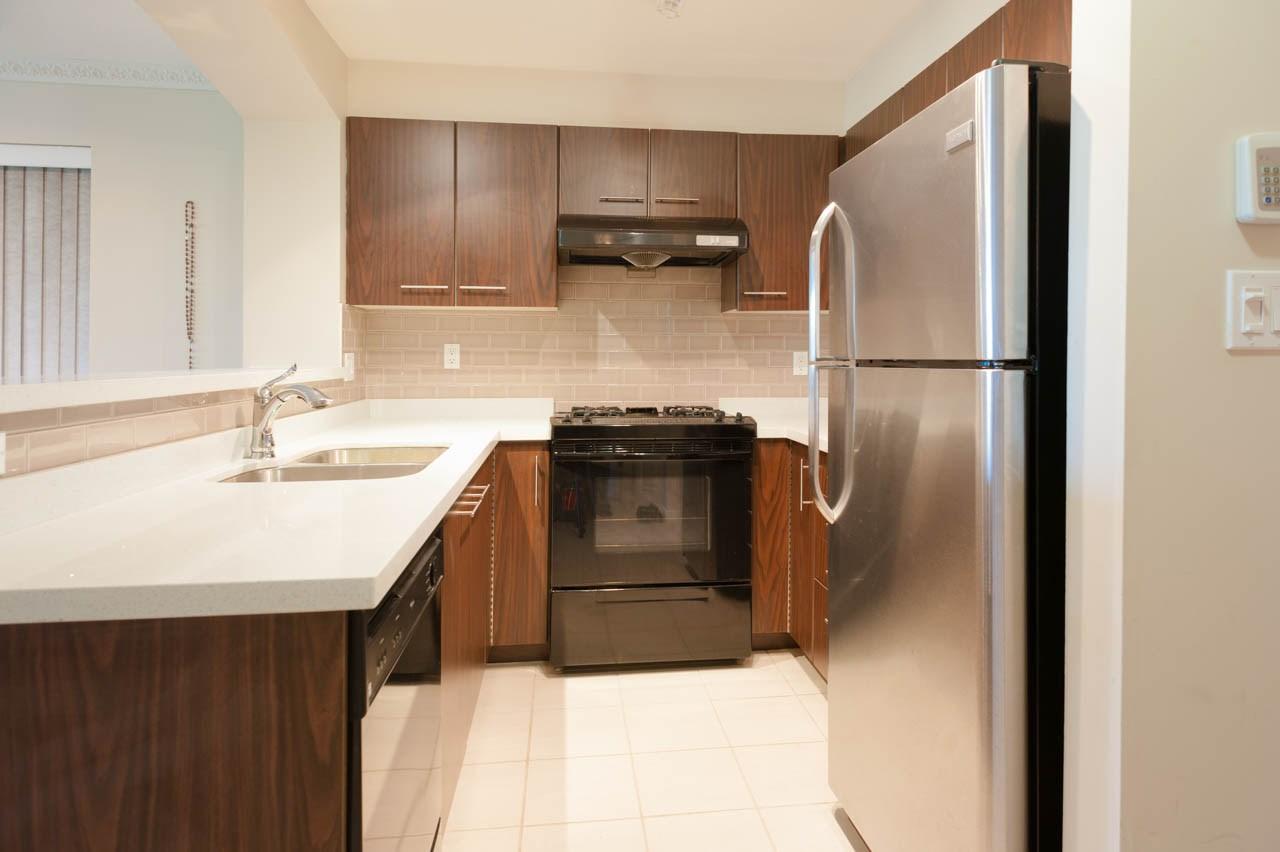 Condo Apartment at 1212 5115 GARDEN CITY ROAD, Unit 1212, Richmond, British Columbia. Image 7