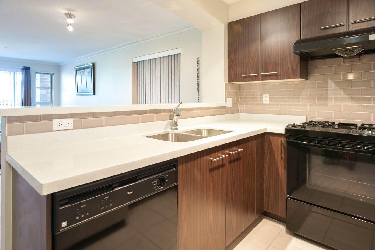 Condo Apartment at 1212 5115 GARDEN CITY ROAD, Unit 1212, Richmond, British Columbia. Image 8