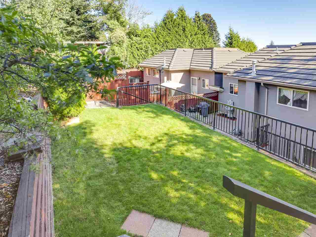 Half-duplex at 5131 CARSON STREET, Burnaby South, British Columbia. Image 20