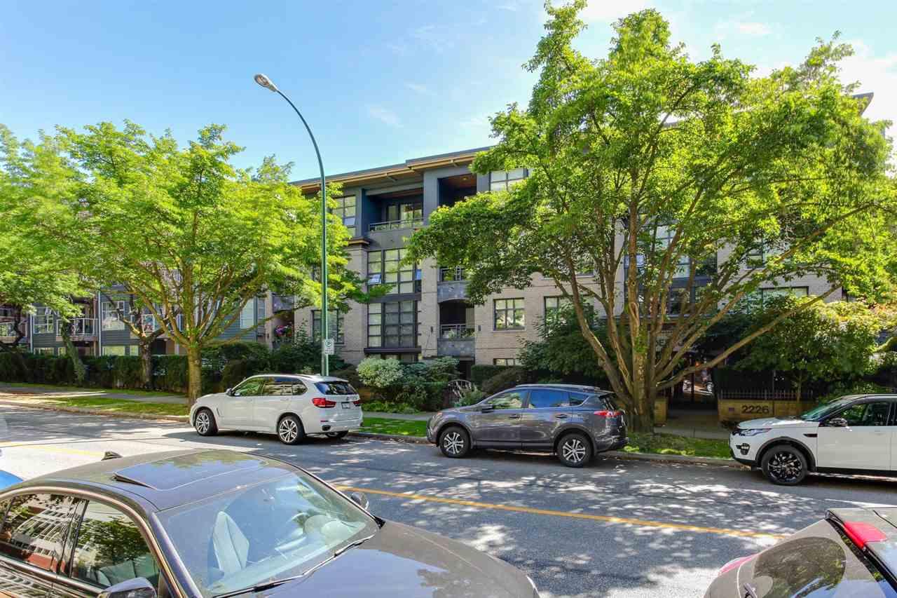 Condo Apartment at 403 2226 W 12TH AVENUE, Unit 403, Vancouver West, British Columbia. Image 2