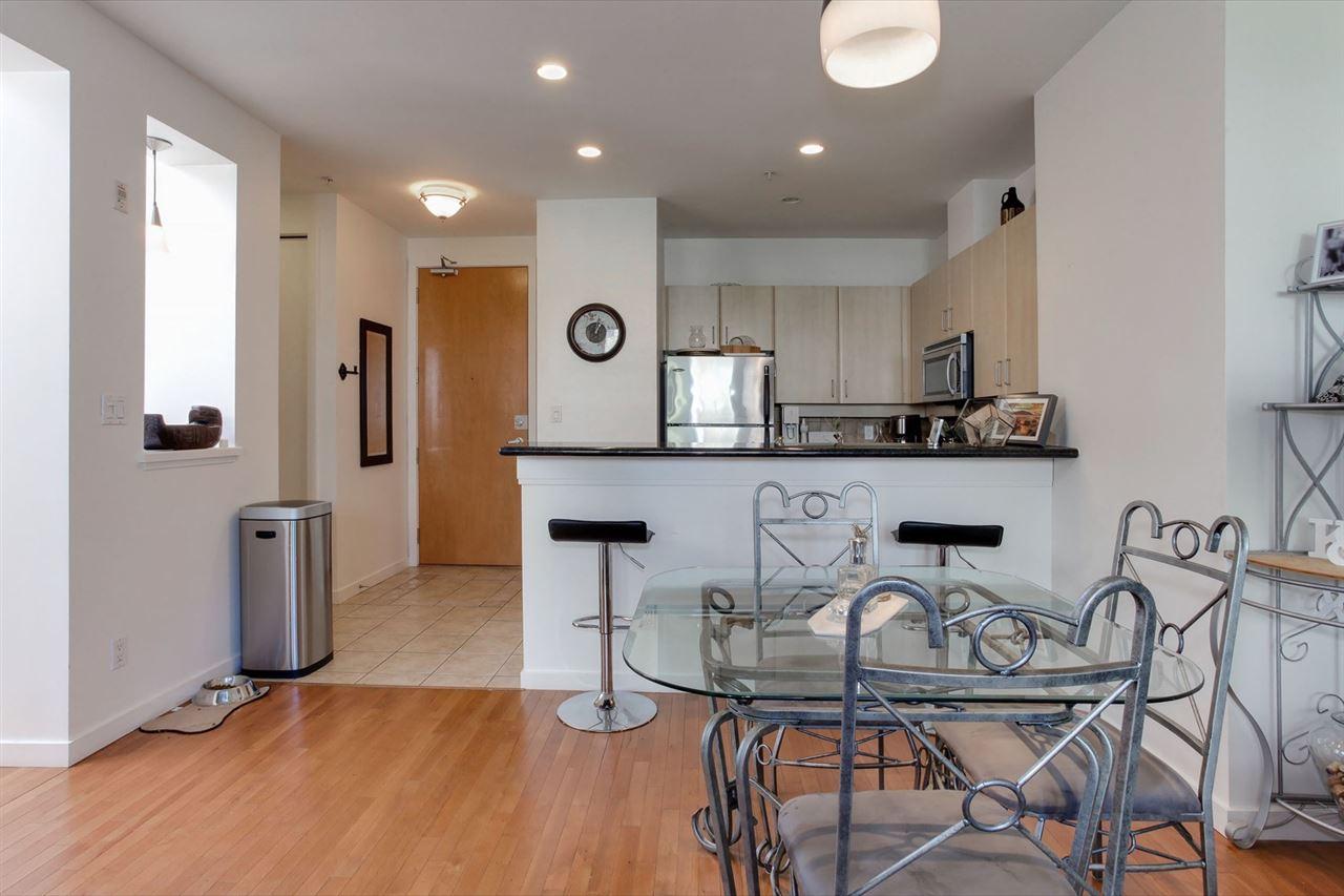 Condo Apartment at 403 2226 W 12TH AVENUE, Unit 403, Vancouver West, British Columbia. Image 3