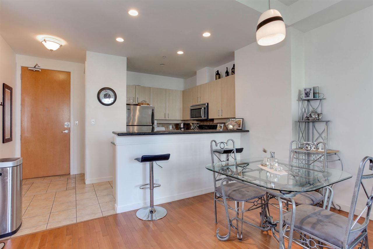 Condo Apartment at 403 2226 W 12TH AVENUE, Unit 403, Vancouver West, British Columbia. Image 4