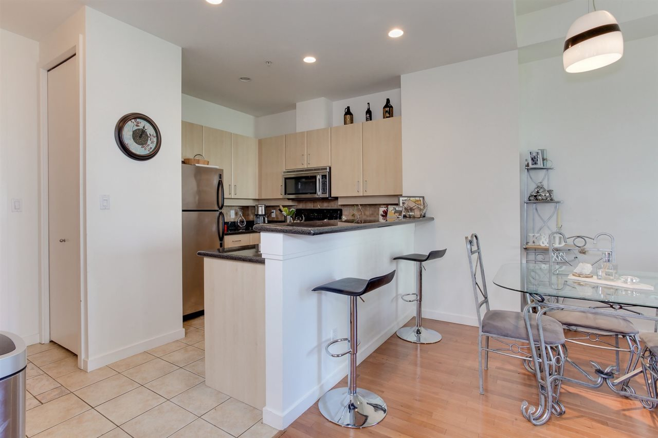 Condo Apartment at 403 2226 W 12TH AVENUE, Unit 403, Vancouver West, British Columbia. Image 7