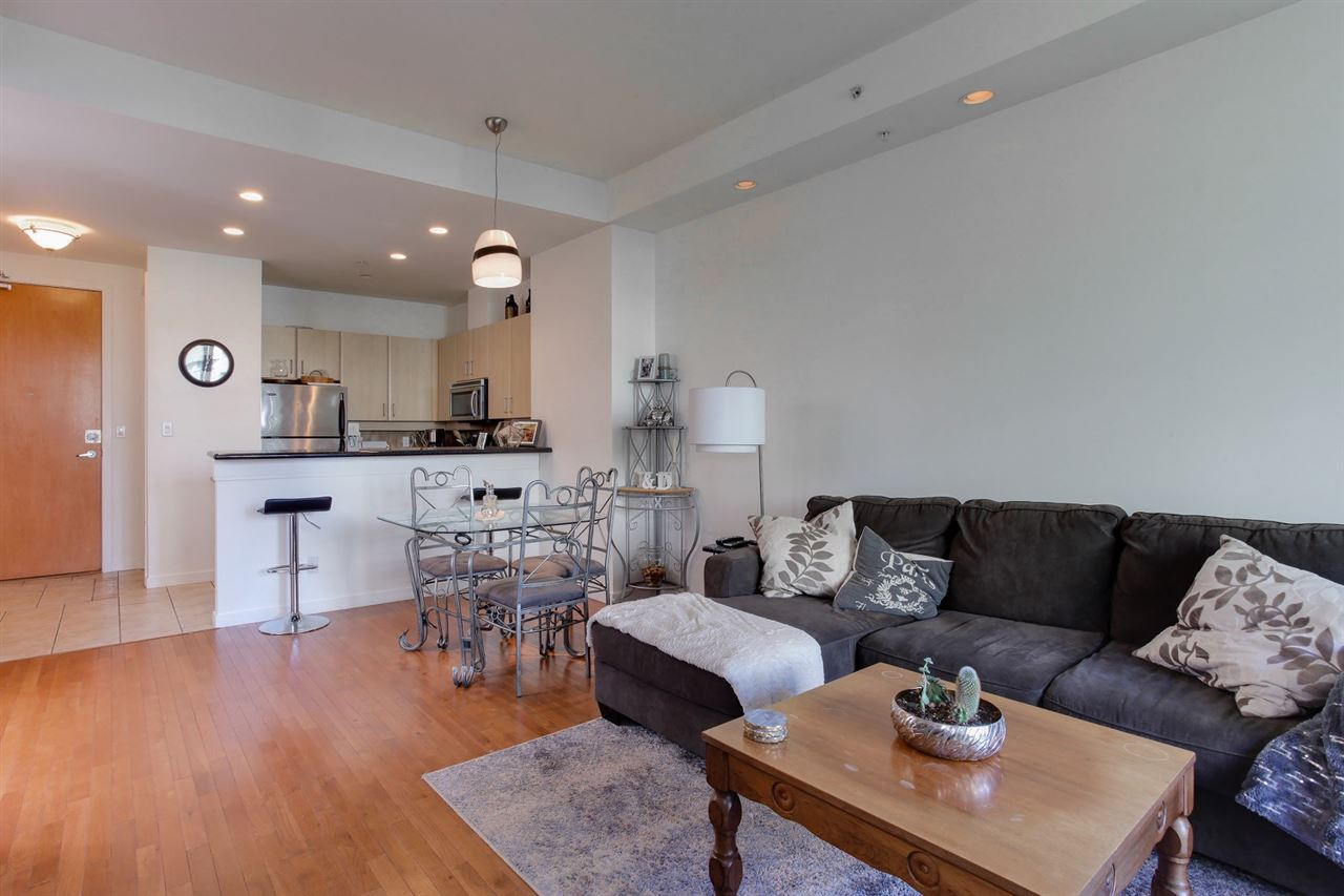 Condo Apartment at 403 2226 W 12TH AVENUE, Unit 403, Vancouver West, British Columbia. Image 10