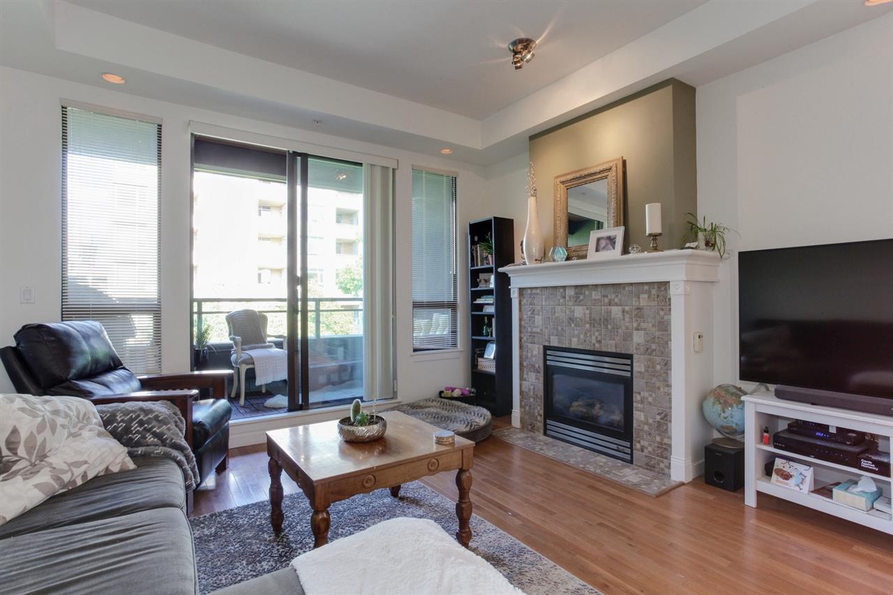 Condo Apartment at 403 2226 W 12TH AVENUE, Unit 403, Vancouver West, British Columbia. Image 11