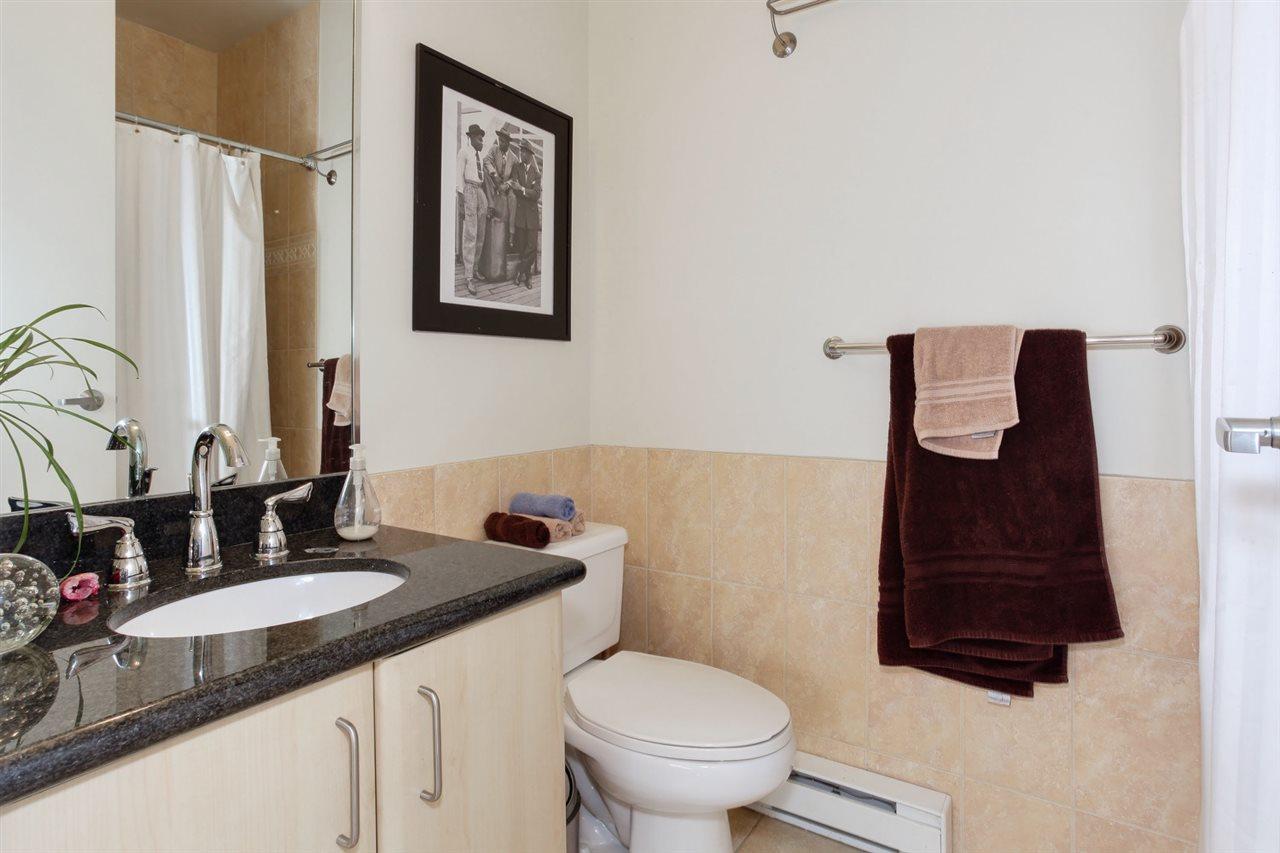 Condo Apartment at 403 2226 W 12TH AVENUE, Unit 403, Vancouver West, British Columbia. Image 18