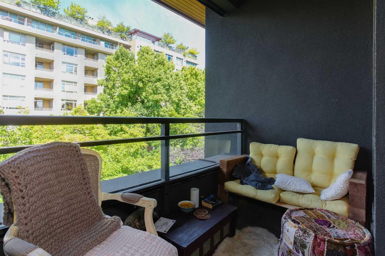 Condo Apartment at 403 2226 W 12TH AVENUE, Unit 403, Vancouver West, British Columbia. Image 20