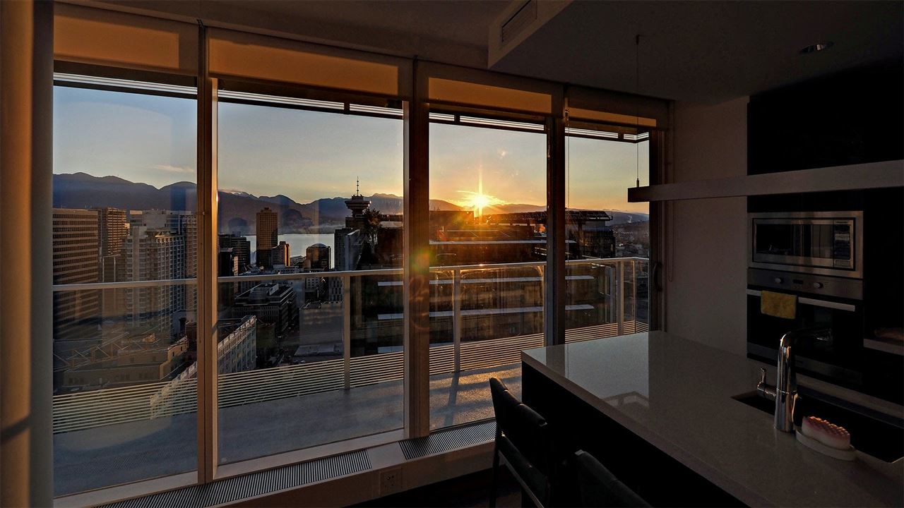 Condo Apartment at 3706 777 RICHARDS STREET, Unit 3706, Vancouver West, British Columbia. Image 4