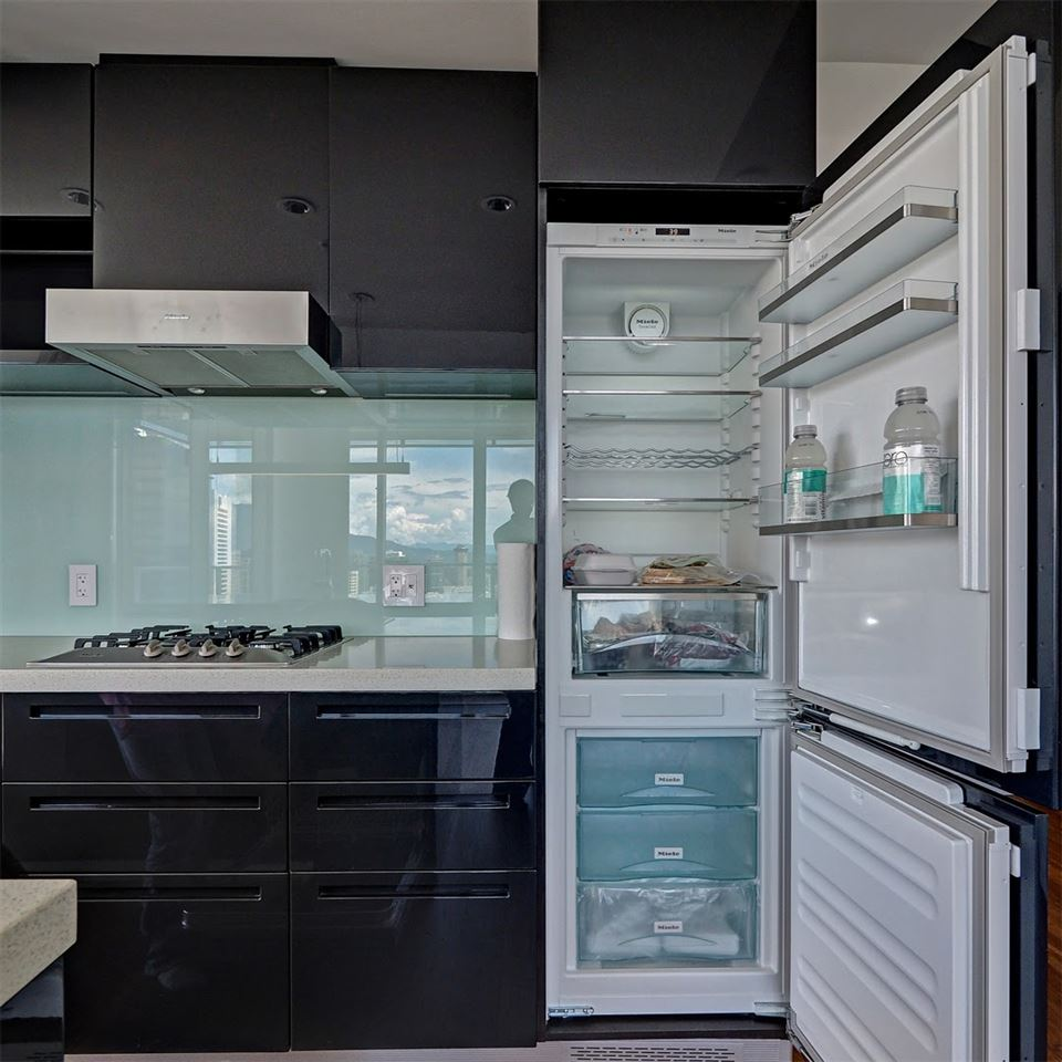 Condo Apartment at 3706 777 RICHARDS STREET, Unit 3706, Vancouver West, British Columbia. Image 6