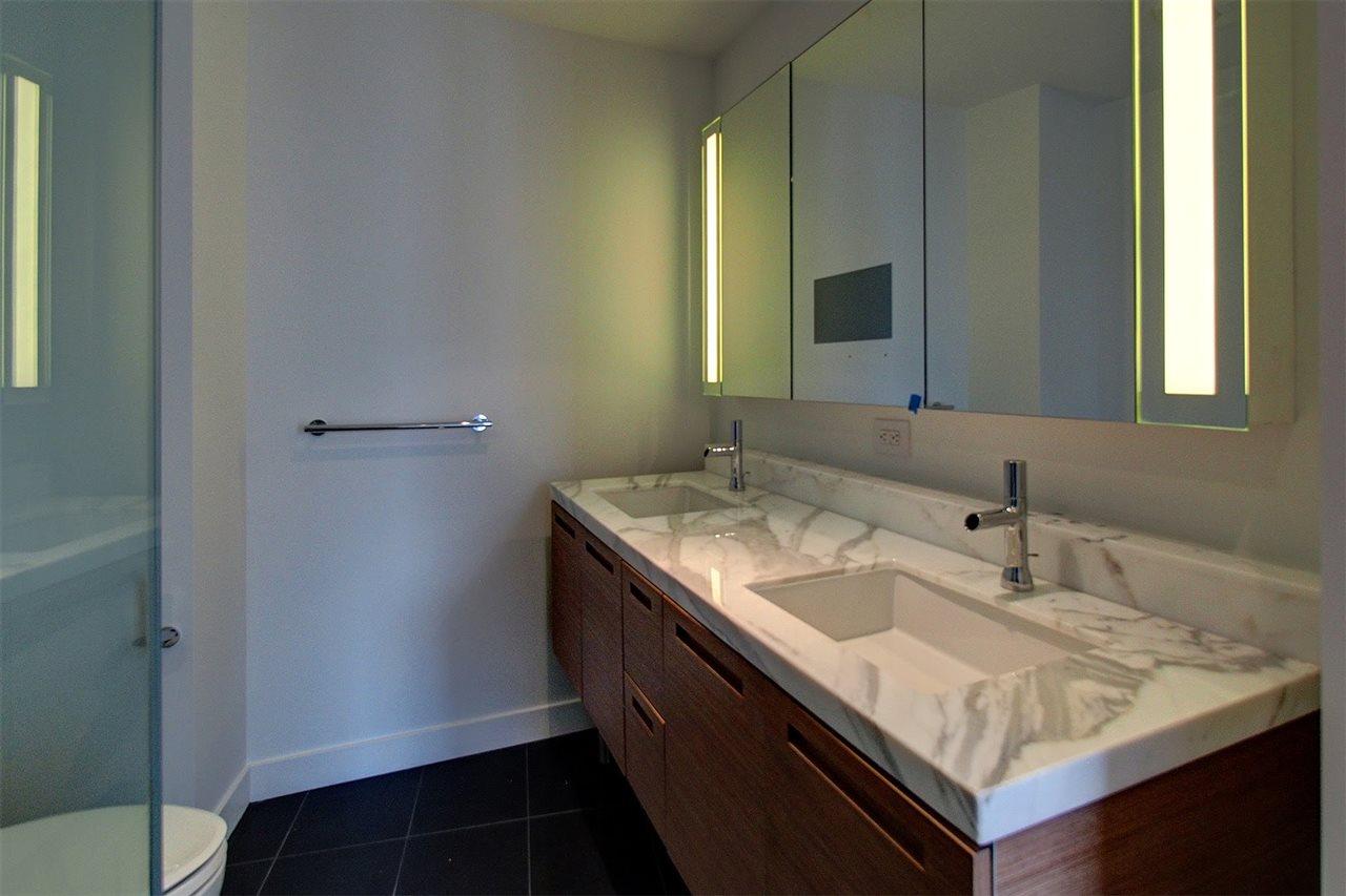 Condo Apartment at 3706 777 RICHARDS STREET, Unit 3706, Vancouver West, British Columbia. Image 9