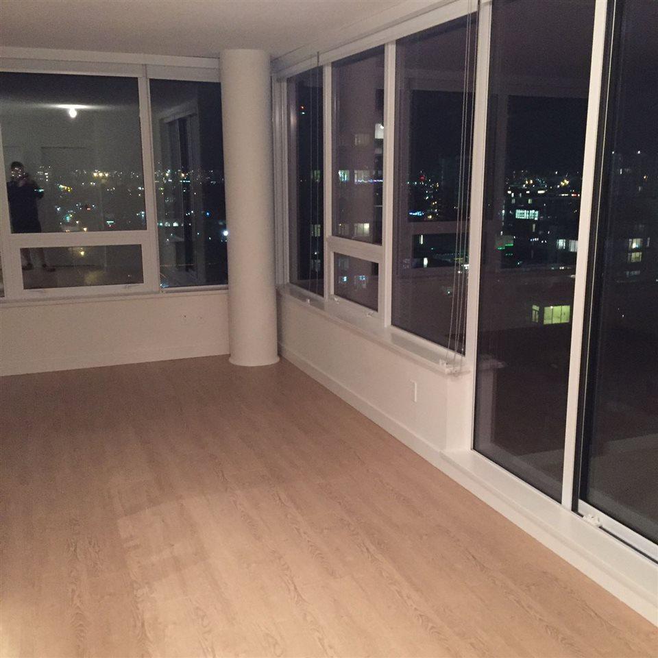 Condo Apartment at 1703 8833 HAZELBRIDGE WAY, Unit 1703, Richmond, British Columbia. Image 6