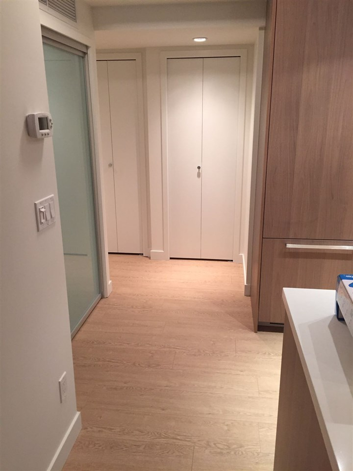 Condo Apartment at 1703 8833 HAZELBRIDGE WAY, Unit 1703, Richmond, British Columbia. Image 12