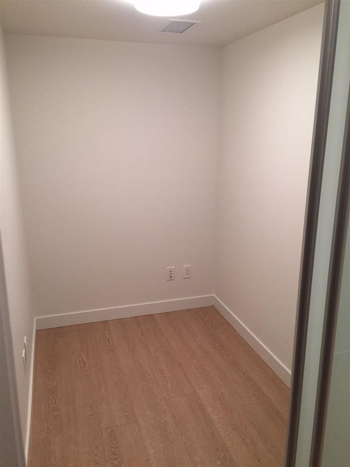 Condo Apartment at 1703 8833 HAZELBRIDGE WAY, Unit 1703, Richmond, British Columbia. Image 15