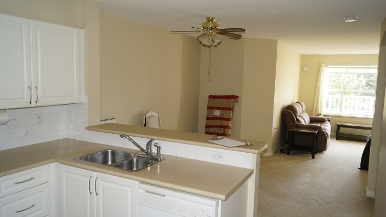 Condo Apartment at 201 960 LYNN VALLEY ROAD, Unit 201, North Vancouver, British Columbia. Image 9