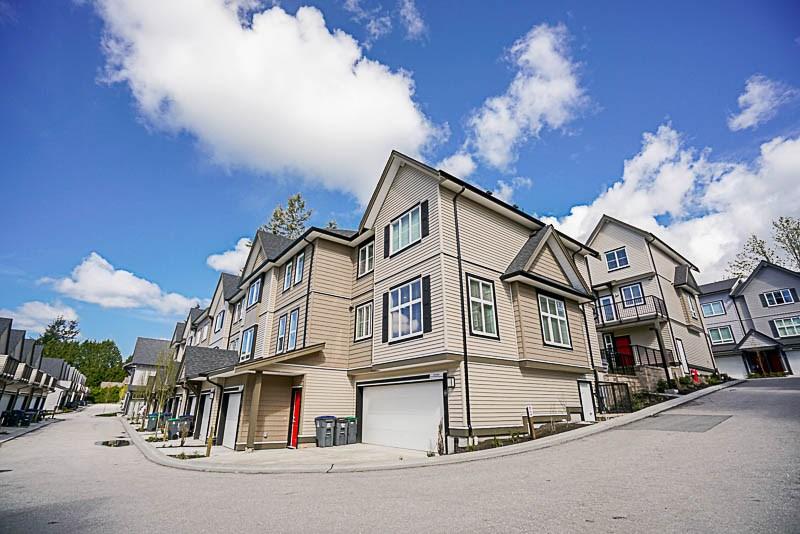 Townhouse at 16 14555 68 AVENUE, Unit 16, Surrey, British Columbia. Image 3